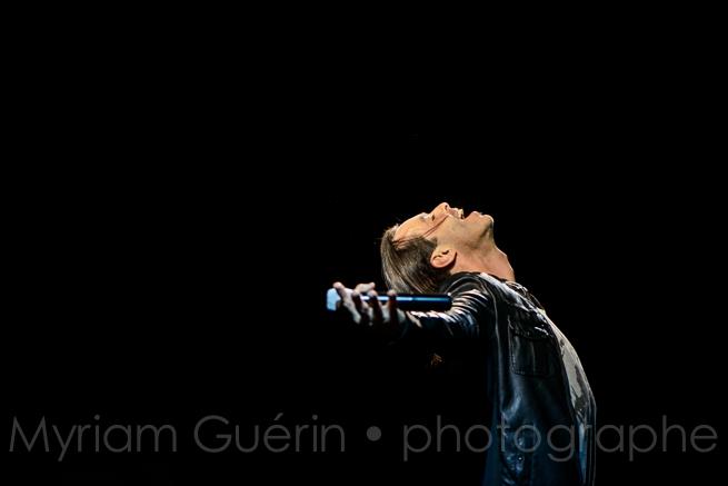Le chanteur Nuno Resende en concert