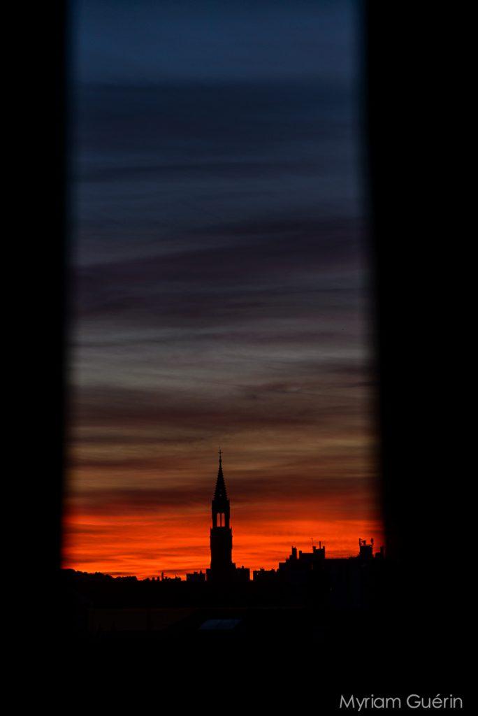 coucher du soleil sur les toits de nimes